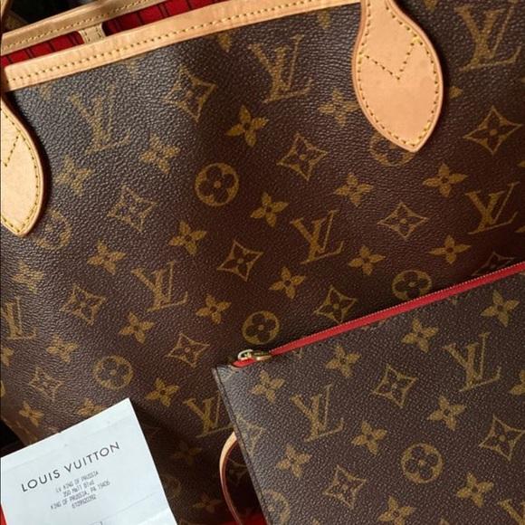 Louis Vuitton Handbags - Louis Vuitton neverfull medium bag and clutch